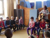 Probe mit Sally Rilana Walsdorfrnst im Evangelischen Kinderhaus